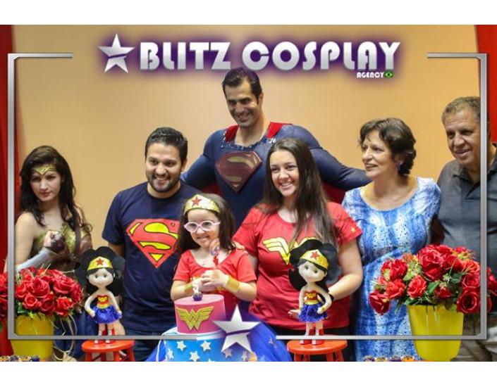 Superman e Mulher Maravilha Personagens Vivos Para Festas.