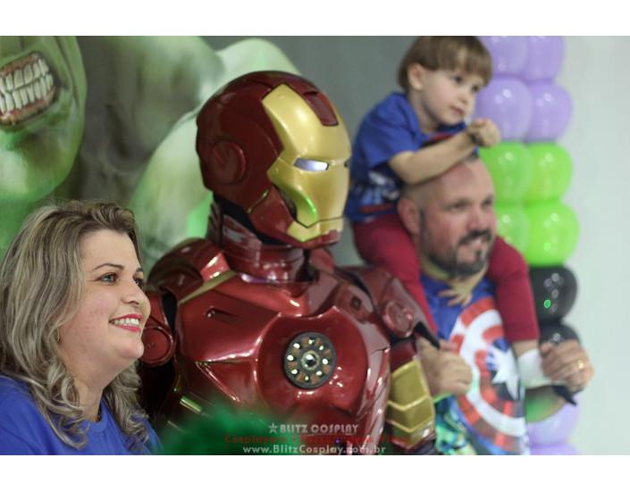 Homem de Ferro personagem vivo