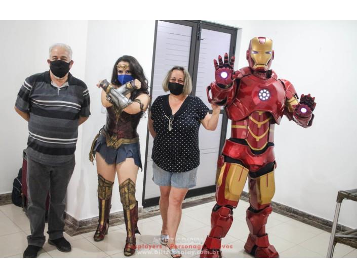 Homem de Ferro e Mulher Maravilha Personagem Vivo Para Festas e Eventos.