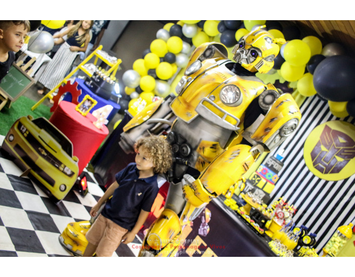 Bumblebee Transformers personagem vivo