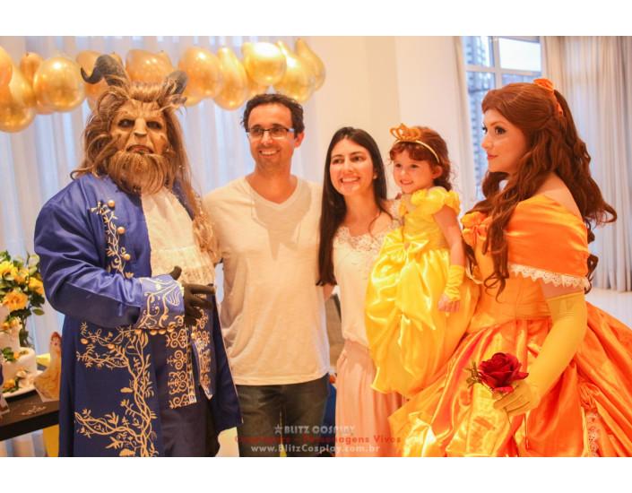 Bela e a Fera personagens vivos festa
