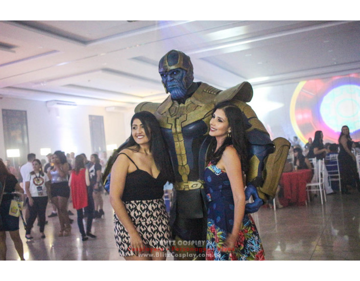 Thanos e Hulk Personagens Vivos Para Festas.