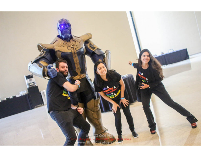 Thanos Personagem Vivo Para Festas.