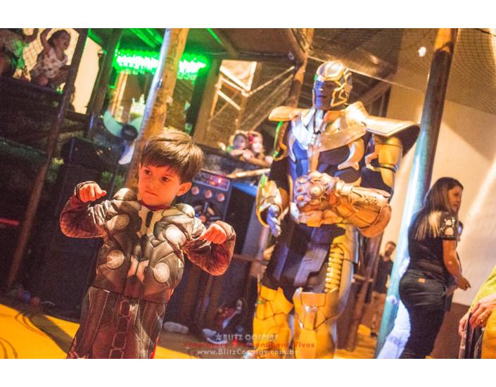 Personagem vivo Thanos para festas